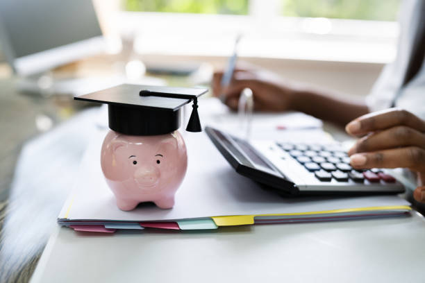 What Are Variable Rate Student Loans?